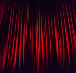 stage-curtain-660078_640